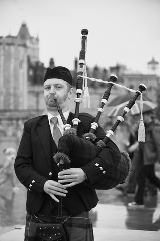 Bagpipe Busker